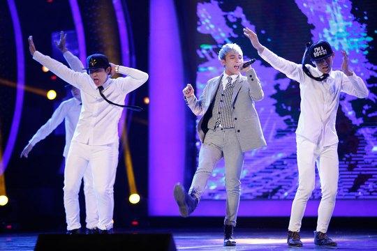 Sơn Tùng M-TP, một trong những giọng ca Việt từ phong cách ăn mặc, vũ điệu đến âm nhạc đều mang đặc trưng phong cách Kpop Ảnh: LEON TRẦN