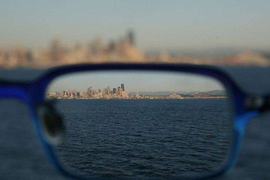 Nhiều người sẽ không nhìn thấy được nếu không có kính cận. Ảnh: PopSci
