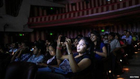 Khán giả đầy kín rạp