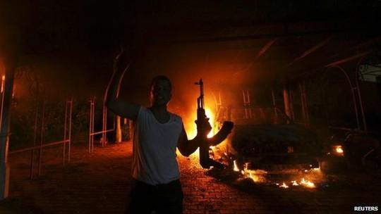 Nhiều email trong tài khoản cá nhân của bà Hillary có liên quan đến vụ tấn công Đại sứ quán Mỹ ở Benghazi, Libya năm 2012.