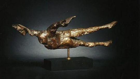 Bức tượng