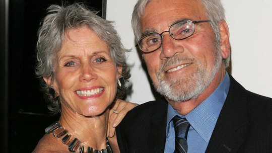 Alex và vợ Shannon Wilcox