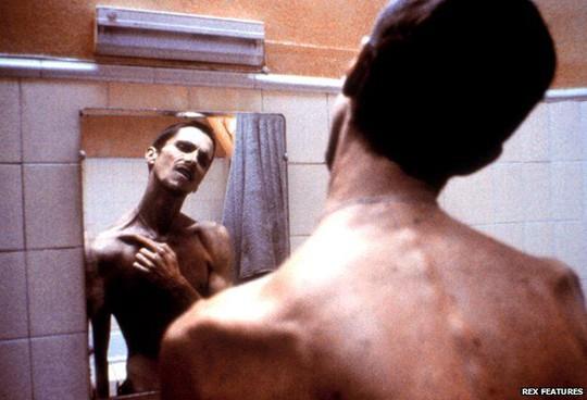 Christian Bale từng gây sốc khi sụt cân kinh hoàng vào vai phim The Machinist