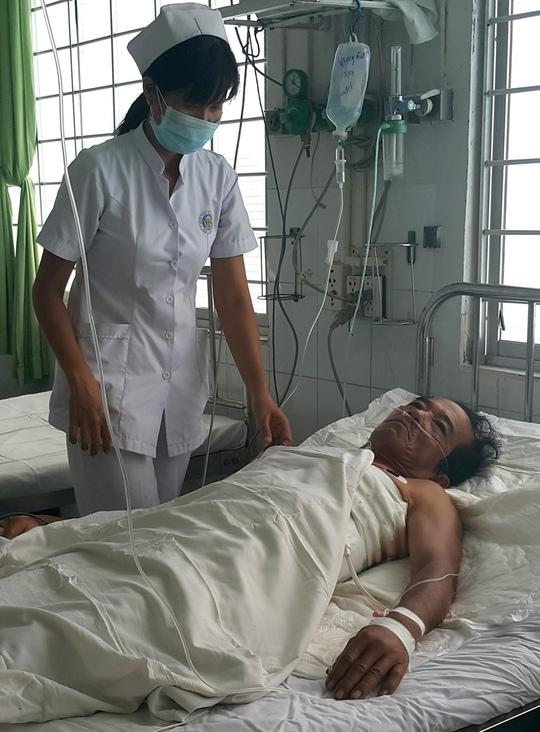 Ông Quang đang được theo dõi tại bệnh viện sau ca mổ.