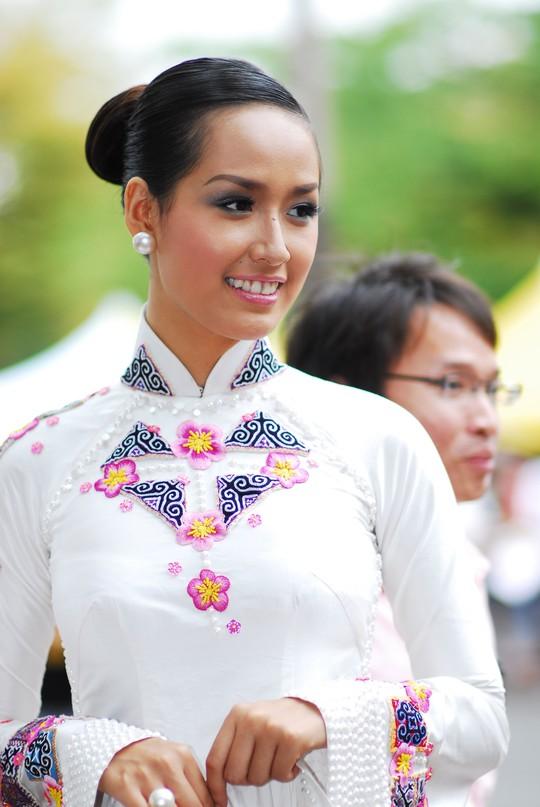 Hoa hậu Mai Phương Thúy buộc phải mua lại tài khoản mang chính tên mình Ảnh: TARO