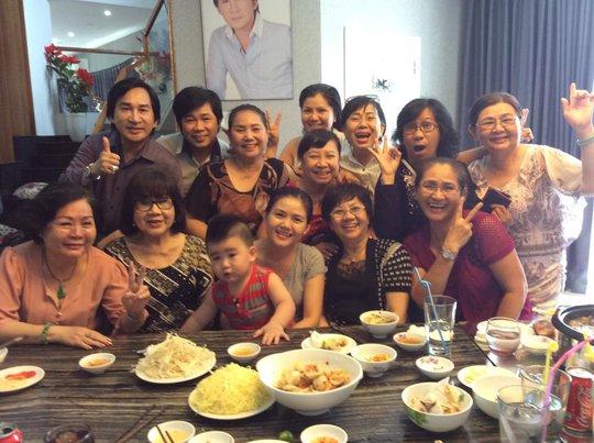 Niềm vui của gia tộc Minh Tơ trong ngày họp mặt tại nhà Kim Tử Long