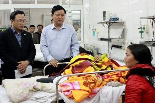Chiều mùng 2 Tết Ất Mùi, Bộ trưởng Bộ GT- VT Đinh La Thăng đã đến thăm hỏi nạn nhân TNGT tại BV Việt Đức