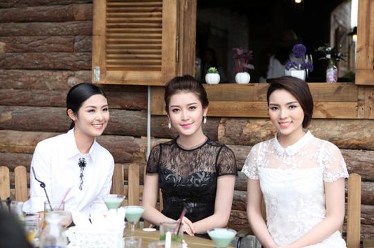 Từ trái qua: Hoa hậu Việt Nam 2010 Ngọc Hân, Á hậu Việt Nam 2014 Huyền My và Hoa hậu Việt Nam 2014 Kỳ Duyên