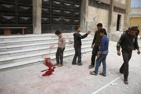 Chính phủ Syria ném bom thùng giết hơn 71 thường dân