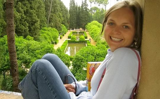 Cô Alina Roberts, giáo viên tiểu học Chetwynd 33 tuổi. Ảnh: Newsteam