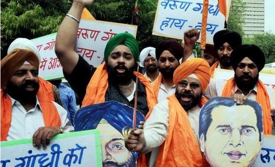 Năm 2009, một bài phát biểu chống đạo Hồi của nhà chính trị Varun Gandhi làm ông bực bội. Ảnh: BBC