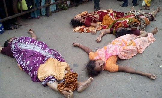Nạn nhân trong vụ giẫm đạp. Ảnh: Deccan Chronicle