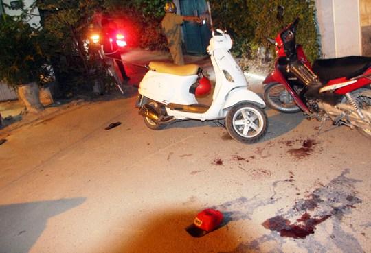 Hiện trường vụ va chạm xe máy khiến 4 thanh niên cãi nhau, làm anh T. bị đâm