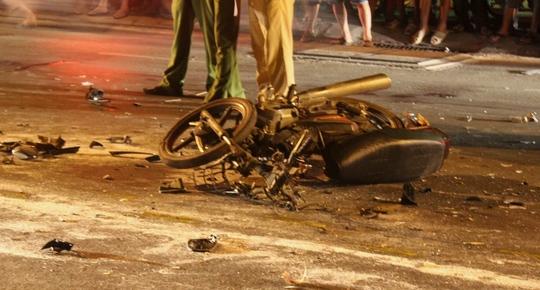 Xe máy của hai vợ chồng trong vụ tai nạn