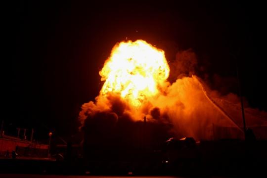 Cháy và nổ suốt đêm 26 rạng sáng 27 tại kho hàng của công ty TNHH Vân Trúc