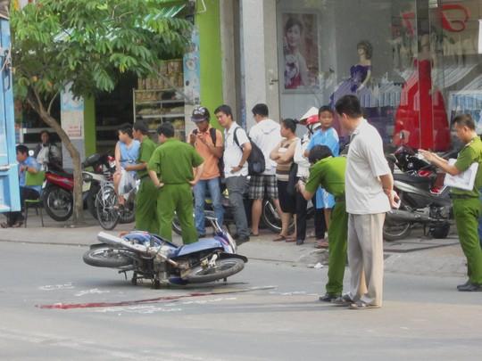 Công an có mặt xử lý hiện trường vụ tai nạn