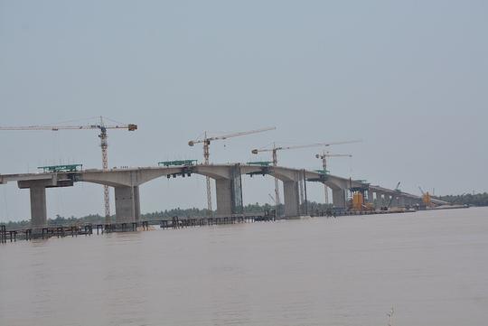 Cầu Cổ Chiên thông xe sẽ rút ngắn khoảng cách từ Trà Vinh đi TPHCM