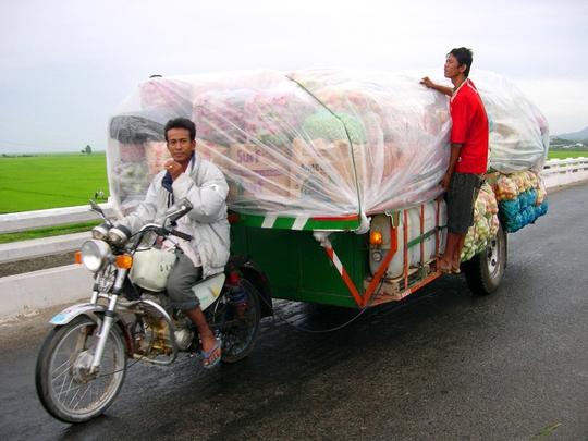 Theo thống kê của ngành Hải quan An Giang, năm 2014 lượng hàng hóa xuất khẩu qua Cửa khẩu Quốc tế Tịnh Biên đi Campuchia trị giá trên 109,5 triệu USD, tăng trên 20 triệu USD so với 2 năm trước.