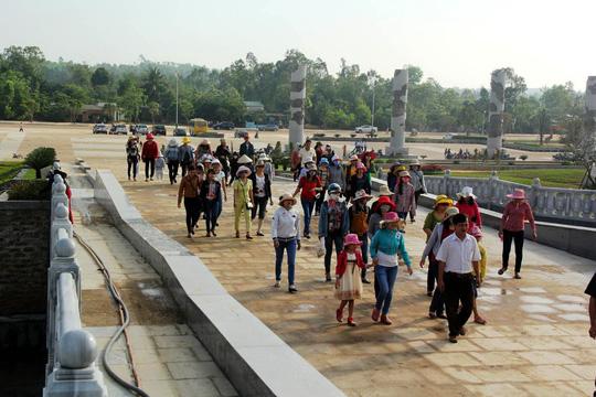 Dù vẫn chưa được khánh thành nhưng đã thu hút rất nhiều du khách đến tham quan