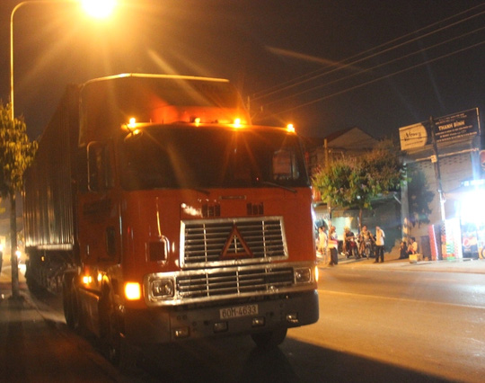 Chiếc xe container không kịp xử lý, cán qua người nạn nhân