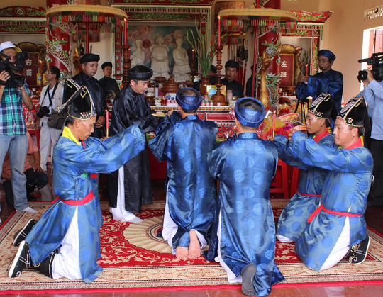 Về Khánh Hòa xem lễ hội yến trăm năm
