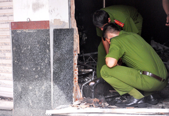 TP HCM: Cháy cửa hàng, hàng trăm xe đạp trơ khung