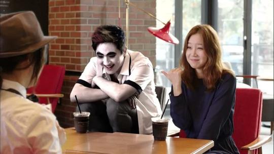 Tae Gong Sil sở hữu khả năng kỳ lạ khi có thể nhìn thấy linh hồn và ma quỷ.