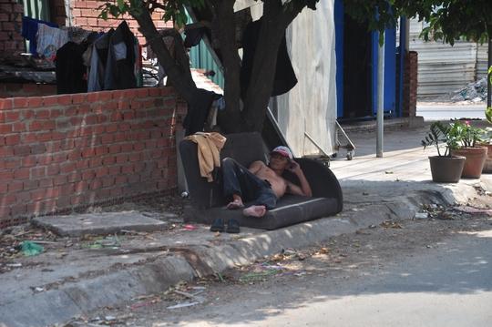 Sài Gòn ngột ngạt vì nắng nóng cực đỉnh