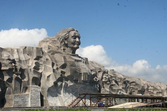 Hoàn thành tượng đài kinh phí hơn 411 tỉ đồng