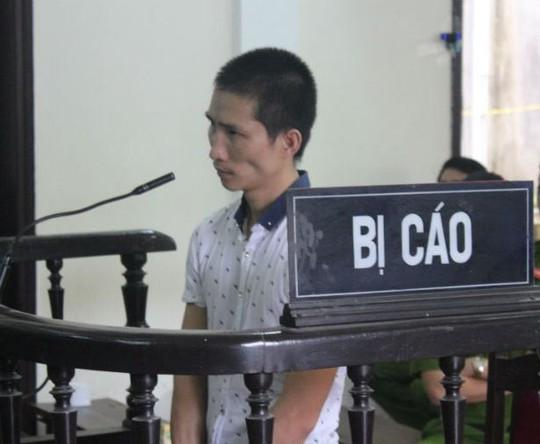 Bị cáo Đệ tại phiên tòa. Ảnh: T. Cao