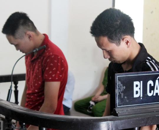 Bị cáo Phong và Ngọc tại phiên tòa. Ảnh: Hưng Tây
