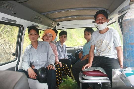 Trưa 16-7, các bệnh nhân nghi mắc bệnh bạch hầu đã được Trung tâm Y tế huyện Phước Sơn đưa về nhà