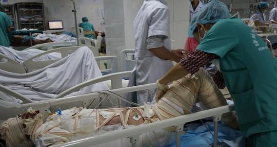 Chị Đanh bị bỏng nặng nằm điều trị tại BV Đa khoa Nghệ An.