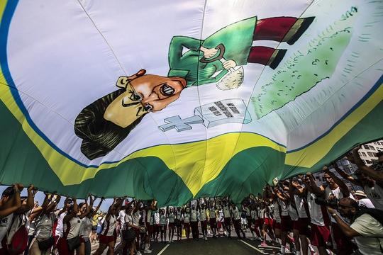 Biểu tình chống tham nhũng ở Rio de Janeiro Ảnh: EPA
