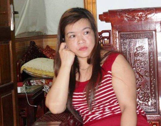 Chị Trần Thị Tú vẫn chưa hết ngỡ ngàng khi bị lừa lấy hết số tiền, vàng.