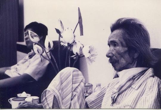 Ngày cuối cùng của tác giả bên Văn Cao (3-7-1995) Ảnh: Nguyễn Đình Toán