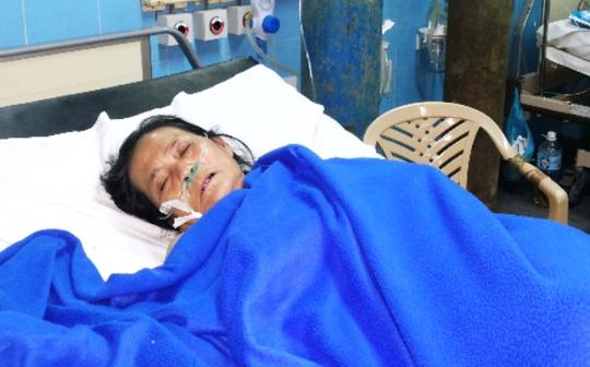 Cụ bà Phan Thị Lộc đã được cứu sống thành công khi được bác sĩ cắt bỏ hết 1,8m đoạn ruột non do hoại tử nặng. Ảnh: Long Nhật