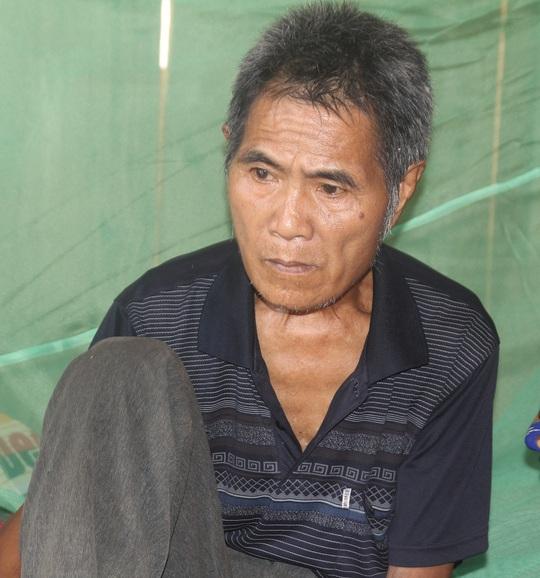 Ông Lo Văn Bình chưa hết bàng hoàng trước cái chết của 4 người thân trong gia đình