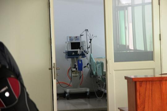 Một căn phòng tại Bệnh viện Đà Nẵng được chuẩn bị kỹ càng cùng với nhiều thiết bị máy móc hiện đại