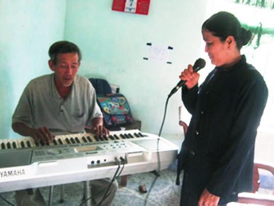 Hát nhạc sống là nhu cầu chính đáng nhưng quá đà sẽ gây phiền phức cho những người xung quanh