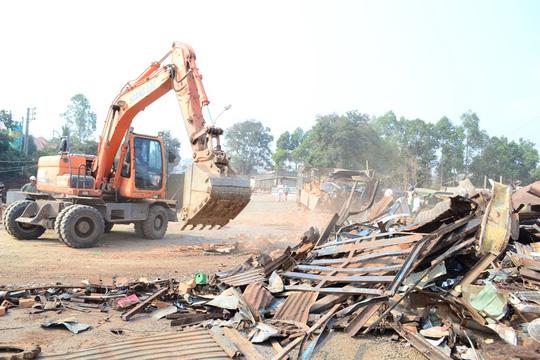 Hiện trường vụ tai nạn thảm khốc làm 6 người chết sáng 21-4