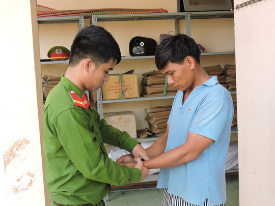 Trương Đình Hoàng bị lực lượng chức năng bắt giữ vì hành vi trộm cắp tài sản