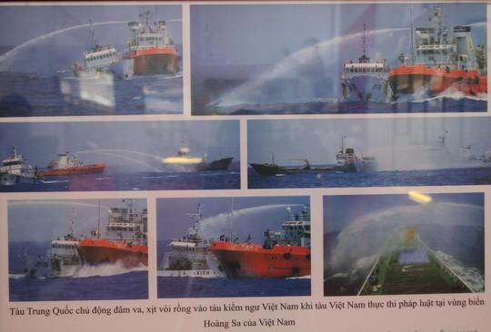 Ảnh tàu Trung Quốc tấn công tàu kiểm ngư của Việt Nam trên vùng biển Việt Nam.