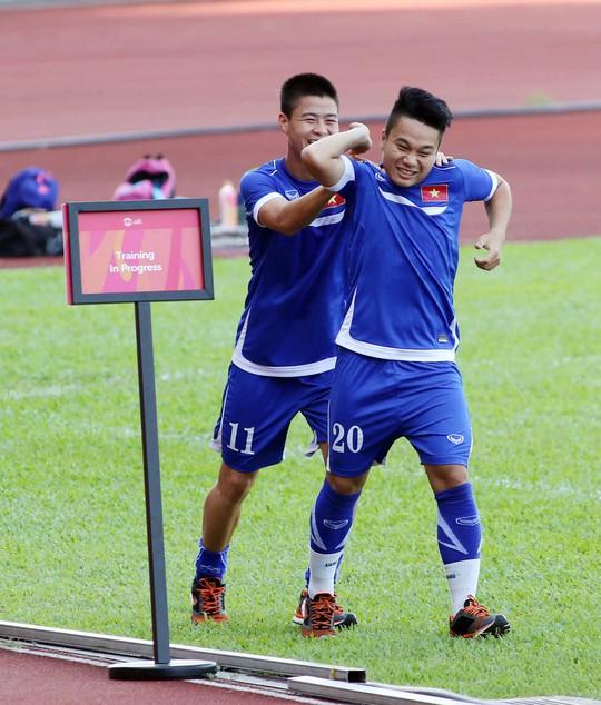 Phi Sơn nén đau, quyết tâm thi đấu vì giấc mơ HCV SEA Games