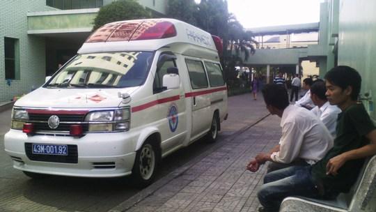 Chiếc xe cứu thương hiện đại được cho là để chuẩn bị đón ông Nguyễn Bá Thanh từ sân bay về Đà Nẵng