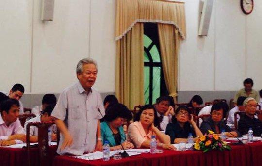 Phó chủ tịch không chuyên trách Ủy ban Trung ương MTTQ Việt Nam Phạm Xuân Hằng phát biểu tại cuộc họp