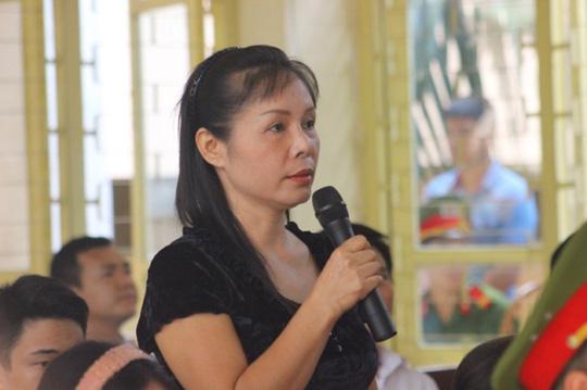 Nhân chứng mới Nguyễn Thị Thu Hà phát biểu tại toà xử Lý Nguyễn Chung