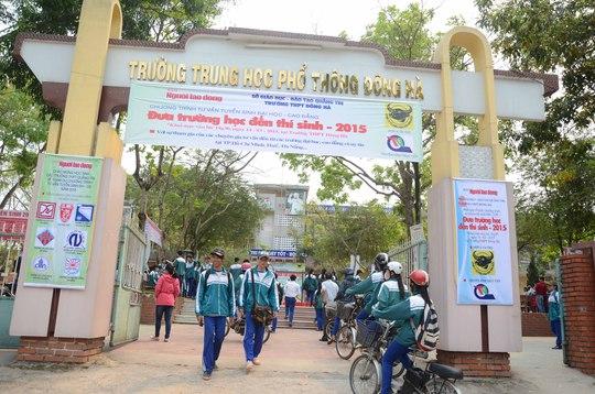Học sinh Quảng Trị nô nức đến tham gia Chương trình Đưa trường học đến thí sinh 2015. Ảnh: Q. Tám