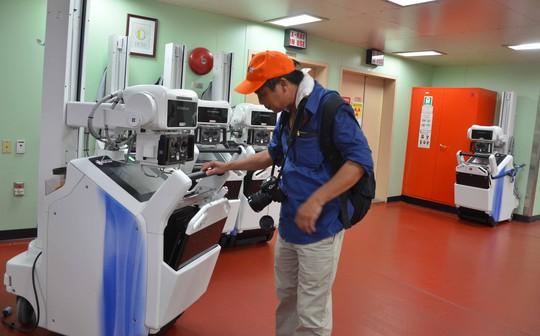 Cận cảnh tàu bệnh viện hiện đại của Mỹ ở Đà Nẵng