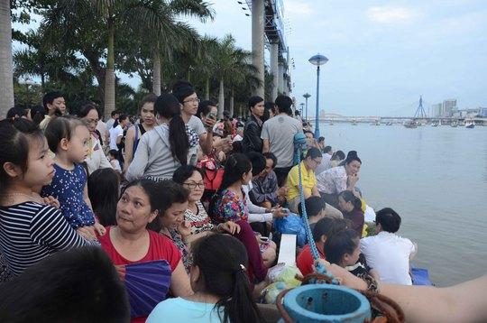 Đổ về Đà Nẵng xem pháo hoa